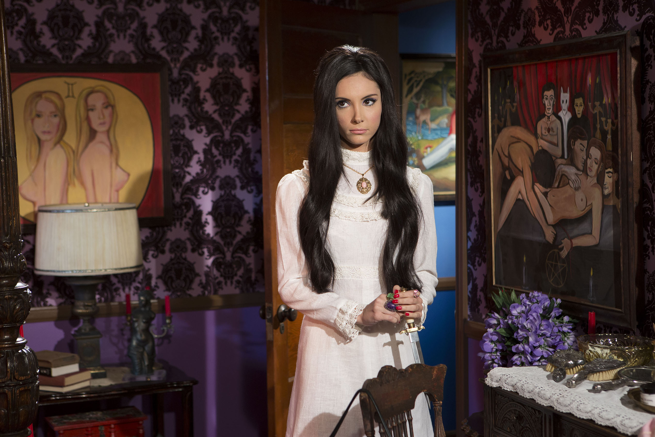 Click to enlarge image The Love Witch 1.jpg